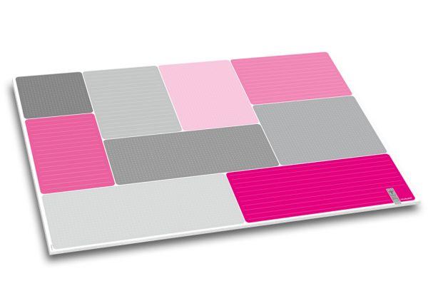 """Schreibtischunterlage """"StrichPunkt."""" in Grau und kräftigem Pink."""
