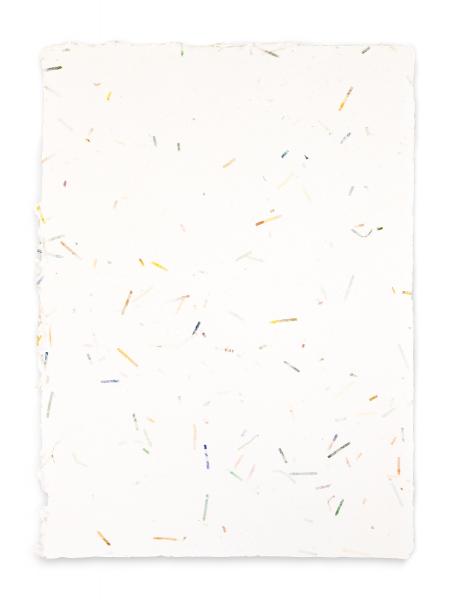 Das handgeschöpfte Papier ist ideal für kreative Projekte.