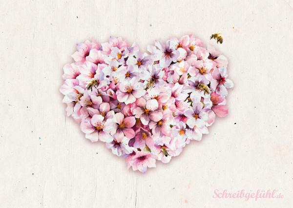 """Das Postkarten-Set """"Blütenzauber"""" erinnert an eine farbenfrohe Blumenwiese und eignet sich daher für verschiedene Anlässe."""